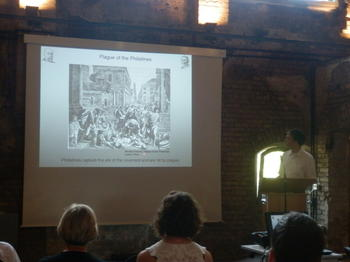 Keynote lecture by Timo Ulrichs, Federal Ministry of Health, Berlin at the Charité-Ruine!